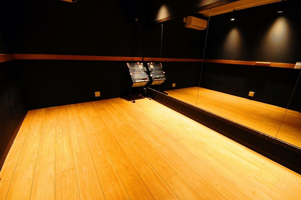 音楽天国・藤枝店の2studioでダンス練習