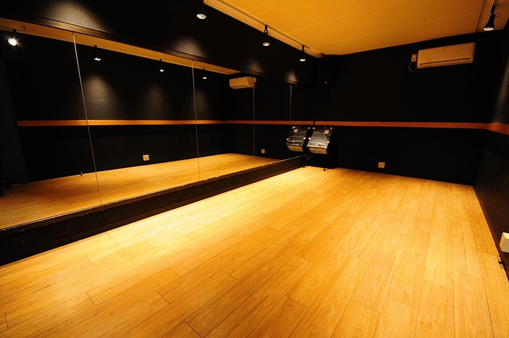 音楽天国・藤枝店の6studioでダンス練習