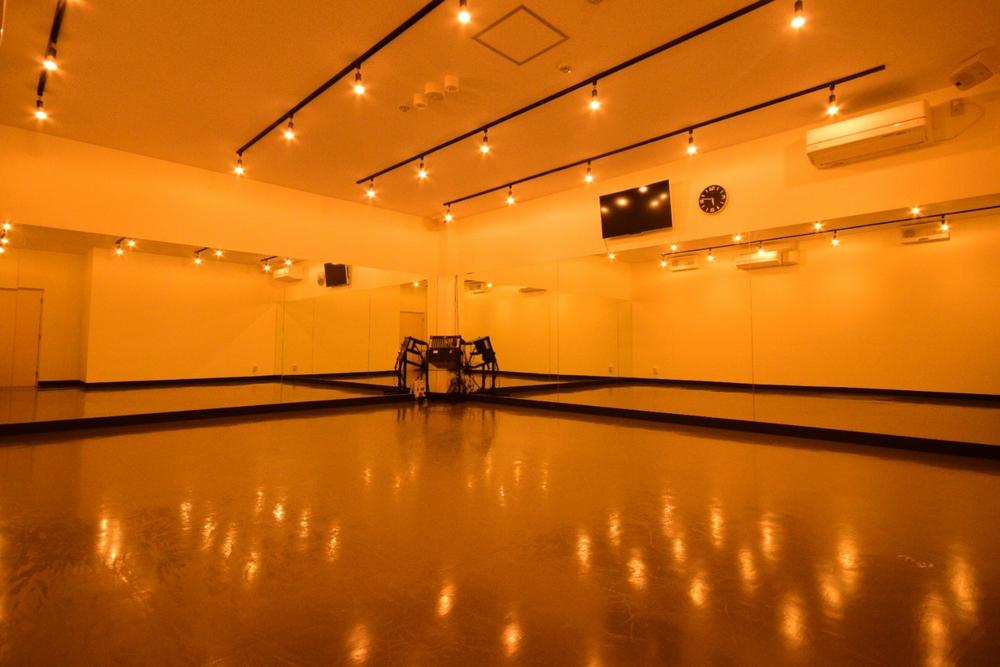音楽天国・静岡草薙店のD1studioでダンス練習