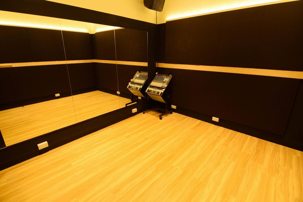 音楽天国・名古屋ささしまライブ店の3studioでダンス練習