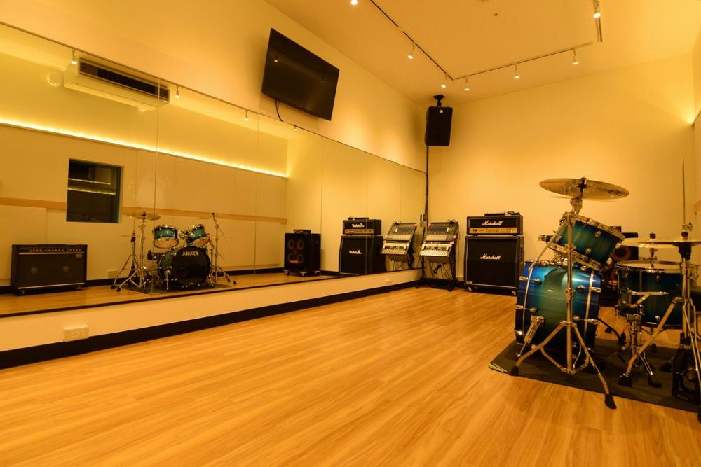 音楽天国・名古屋ささしまライブ店の6studio
