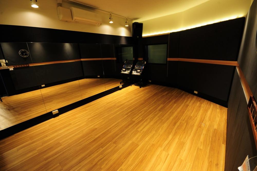音楽天国・静岡草薙店の4studioでダンス練習