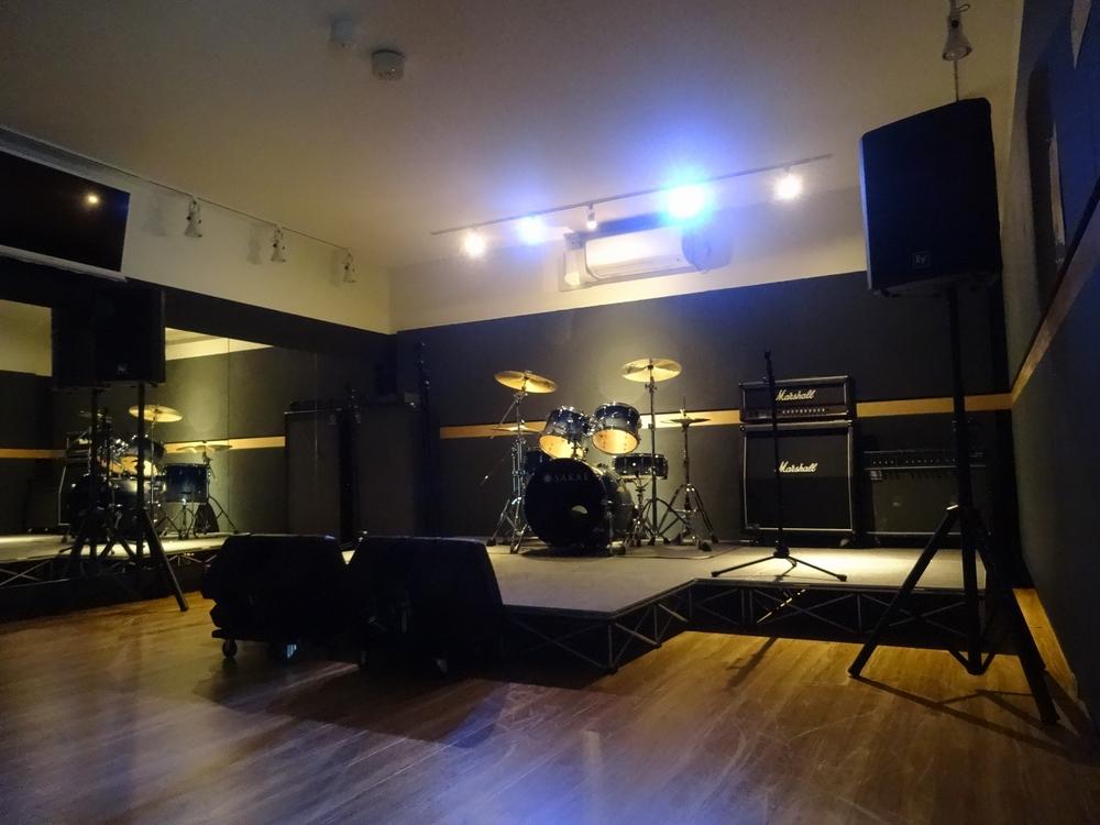 音楽天国・静岡草薙店5studioでスタジオライブ