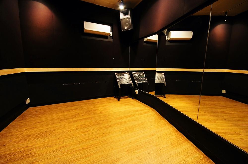音楽天国・静岡駿河店の2studioでダンス練習