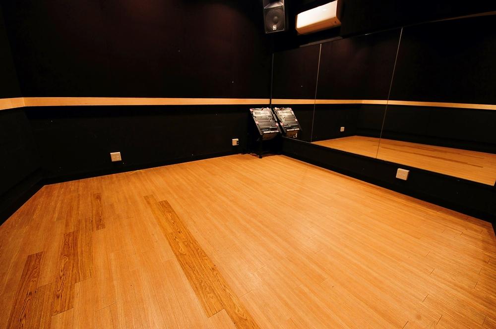 音楽天国・静岡駿河店の4studioでダンス練習