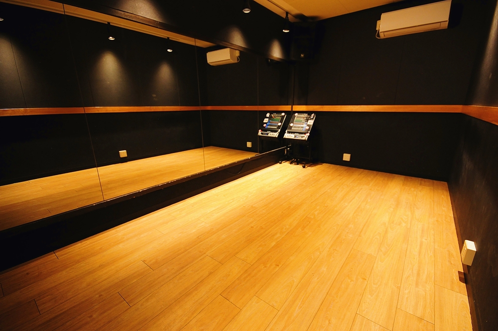 音楽天国・藤枝店の3studioでダンス練習