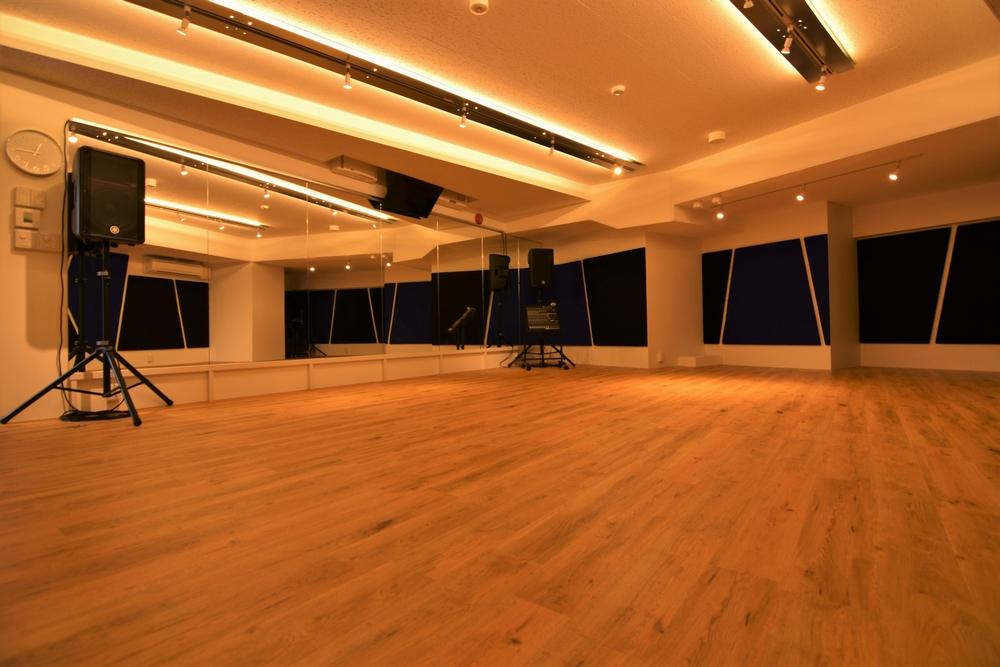 音楽天国・静岡駅前店のstudio5でダンス練習