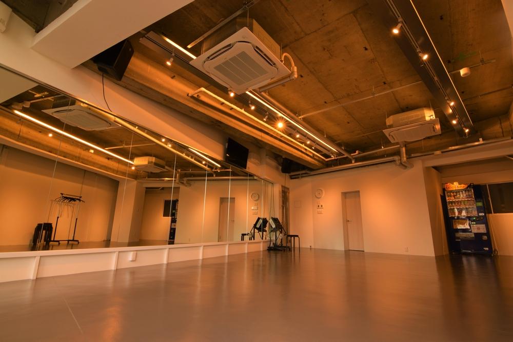 音楽天国・静岡駅前店のstudioD1でダンス練習