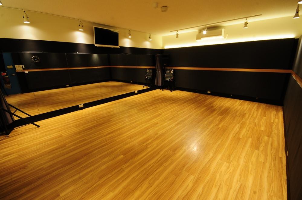 音楽天国・静岡草薙店の5studioでダンス練習