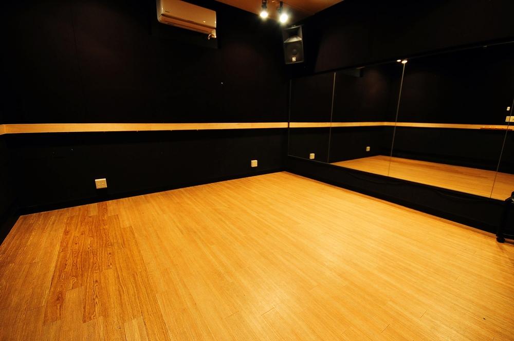 音楽天国・静岡駿河店の5studioでダンス練習